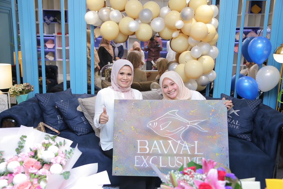 The Founder of Bawal Exclusive Started With A Small Shop At Jalan TAR. Now She Sells RM50,000 Worth of Scarves!