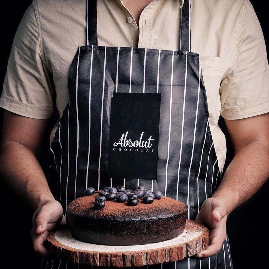 The Founder of Absolut Chocolat Set a Record in Selling 13,000 Slices of Cake in Just 3 Days