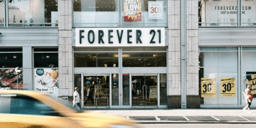Forever 21 is Closing Down All Asia Outlets, Here Are 3 Reasons Why They Went Bankrupt