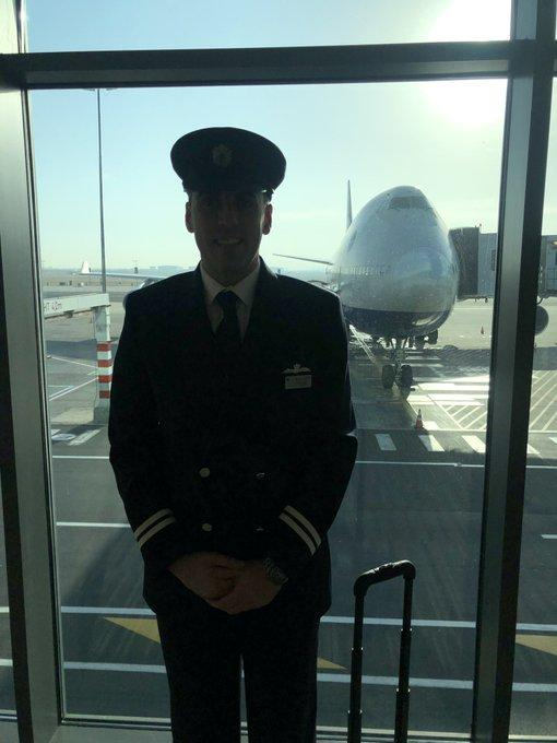 This British Airways Pilot Becomes Tesco Delivery Driver During Covid-19 Crisis
