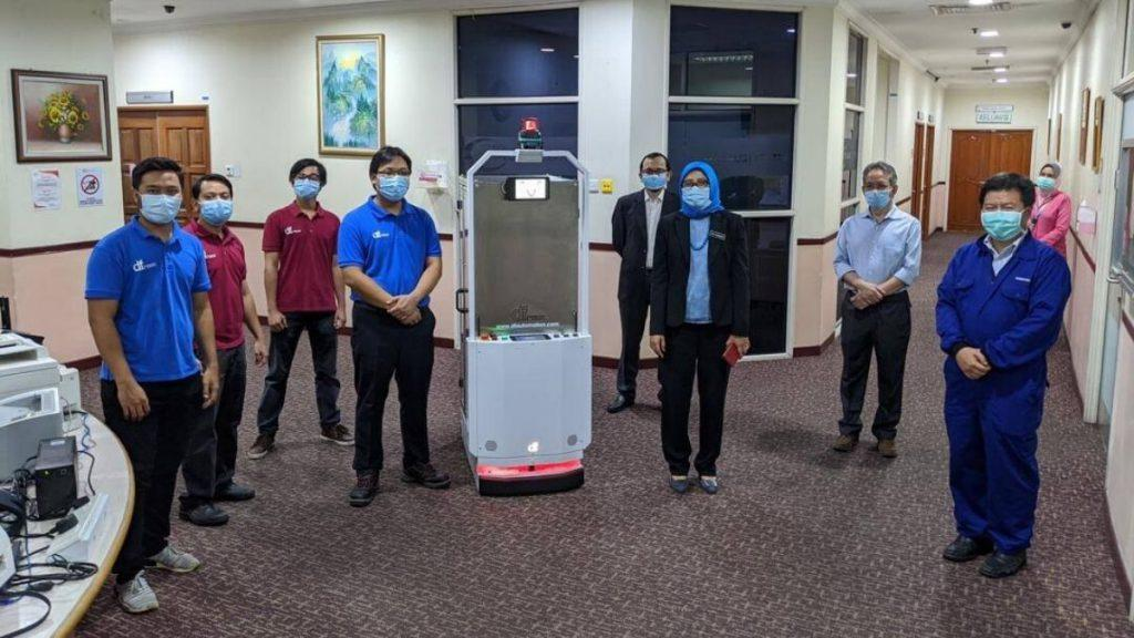 Makcik Kiah 19, The First Robot Developed To Help Frontliners Delivering Food & Medicines