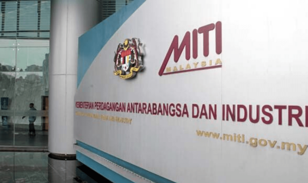 All Businesses That Are Operating During Cmco Must Submit Report To Miti Everyday