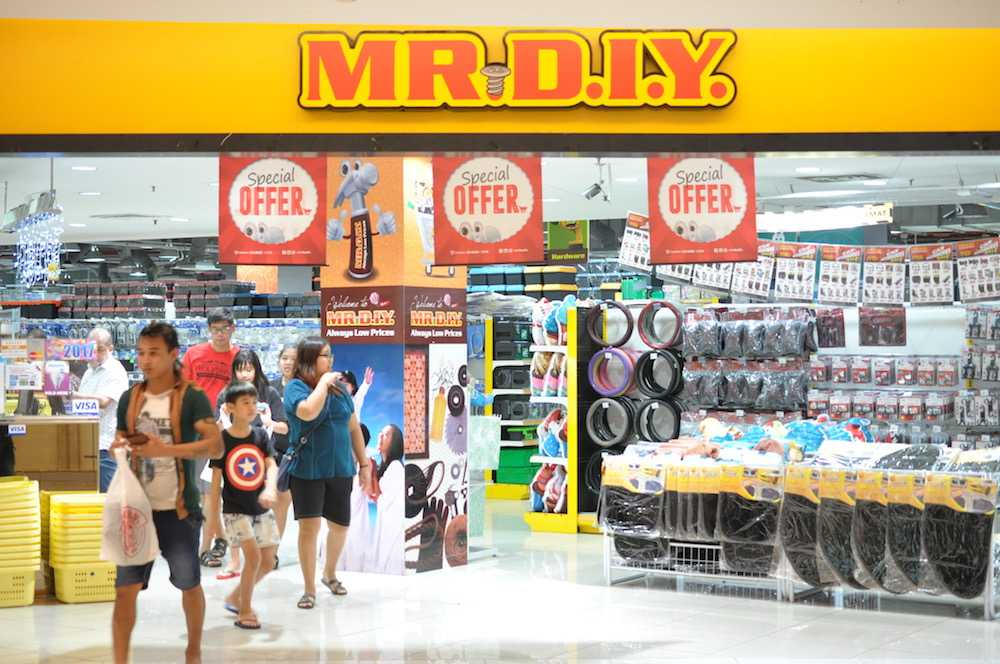 Mr D.I.Y. Made Its debut Today On The Main Market of Bursa Malaysia at RM1.60