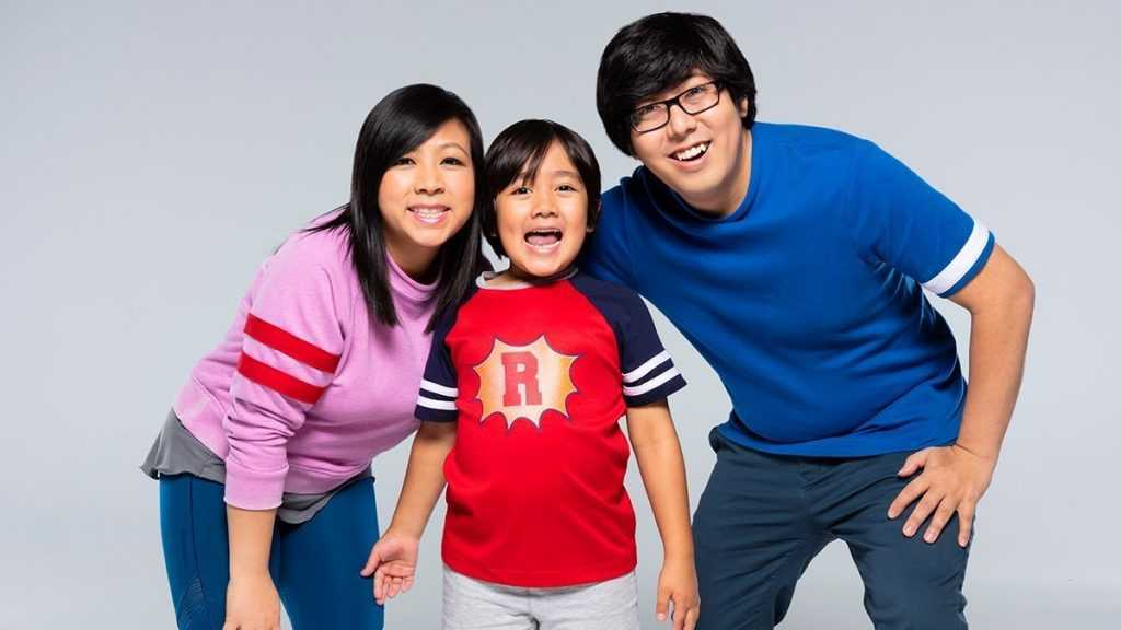 This 9-Year-Old Kid Made More Than Anyone In Youtube, He Earned Over RM100 Mil In 2020